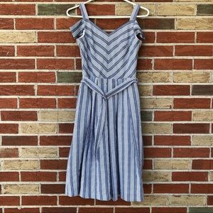 🌷 White House Black Market Seersucker Mini Dress